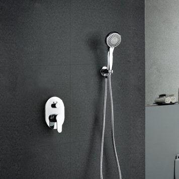 Chuveiro embutido na parede