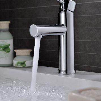 Ambiente para torneia de lavatorio Imex série Milan