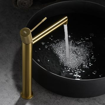 Torneira ouro escovado cano alto